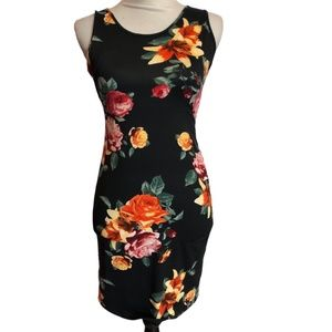 Heart and Hips Sleeveless Min Dress Black Floral M